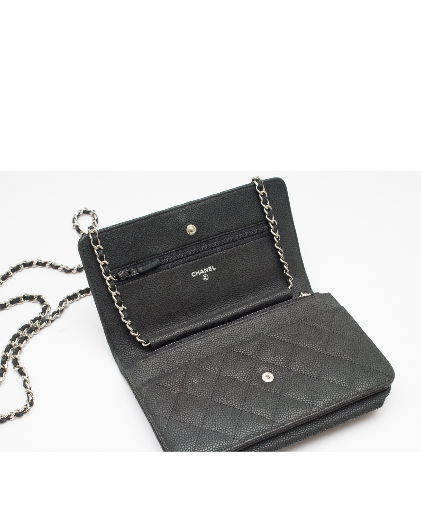 Black Caviar Wallet On Chain