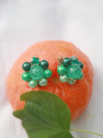 The green apple candy (Vintage Clip-on Earrings)