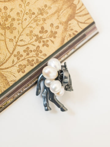 Mirit Weinstock Horse Butt silver gun single clip earring with pearls | On Slowness jewellery