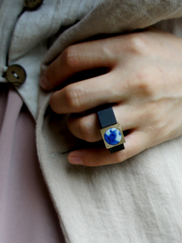 Yichuan Jewellery bronze and antique blue and white porcelain moon and mountain ring | On Slowness Fashion