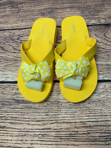 L'amour Polka Dot Bow Flip Flop (Yellow: Big Girl 4)