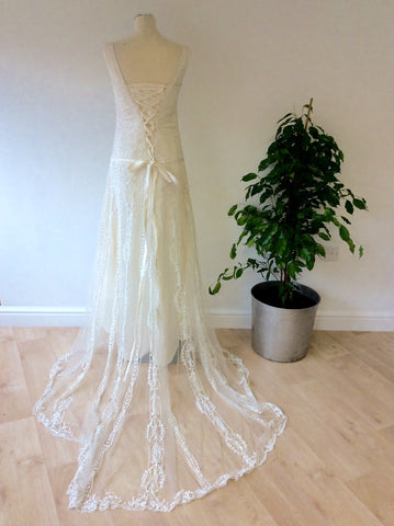 Beautiful Ivory Embroidered & Beaded Lace Wedding Dress With Train Size UK 6/8 - Whispers Dress Agency - Womens Dresses - 5