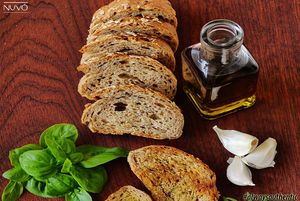 Why Do We Pair Olive Oil and Balsamic Vinegar?
