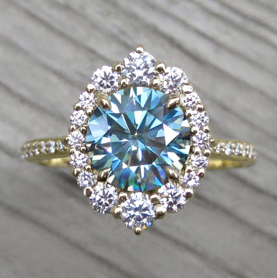 <center><strong>・EMERSON・</strong><br></center>Aqua-Teal Iconic™ Moissanite, Diamond Halo & Band (2.04ct+)
