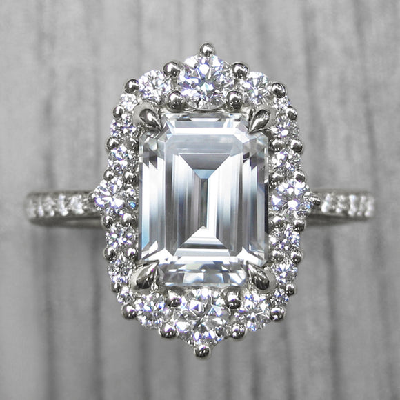 <center><strong>・ADELINE・</strong><br></center>Emerald Cut Moissanite, Diamond Halo & Band (2.27ct+)