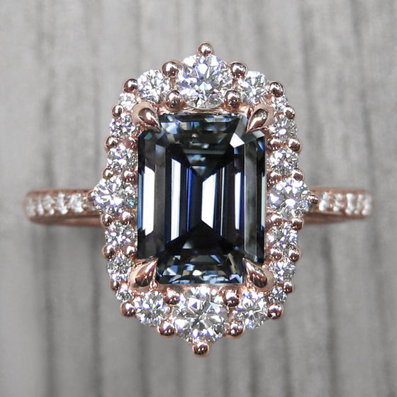 <center><strong>・ADELINE・</strong><br></center> Emerald Cut Iconic™ Grey Moissanite, Diamond Halo & Band (2.27ct+)