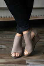 Diba True New Year Wedge (Taupe)