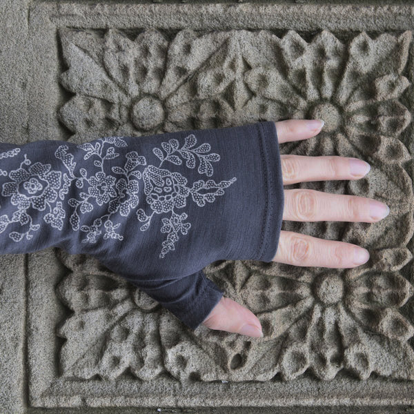 2018 kate watts Charcoal lace print merino fingerless gloves on hand