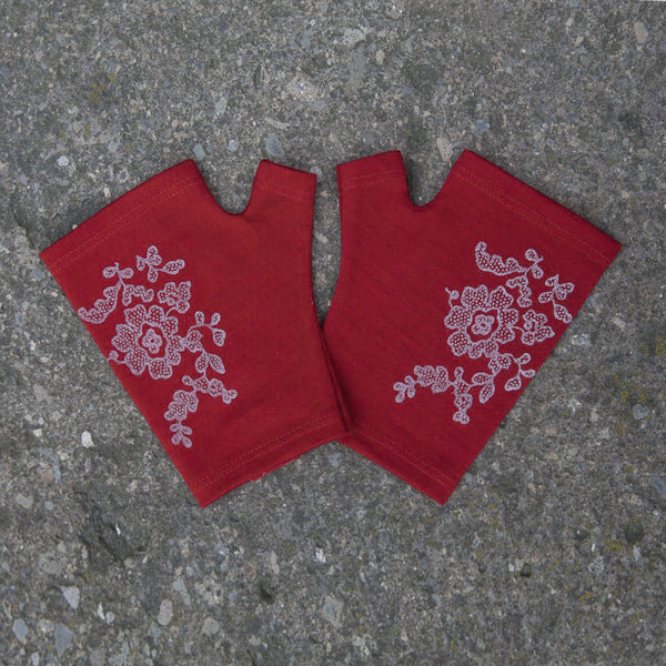 2018 kate watts Red hobo length lace printed merino fingerless gloves