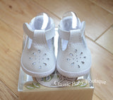 Baby Deer White Leather T-Strap Crib Shoes Girls Preemie Newborn 3 6 9 Months Size 0 1 2 3 4