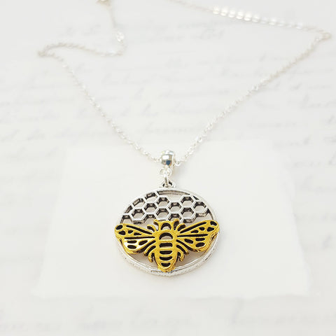 Bee and Honeycomb Circle (164)