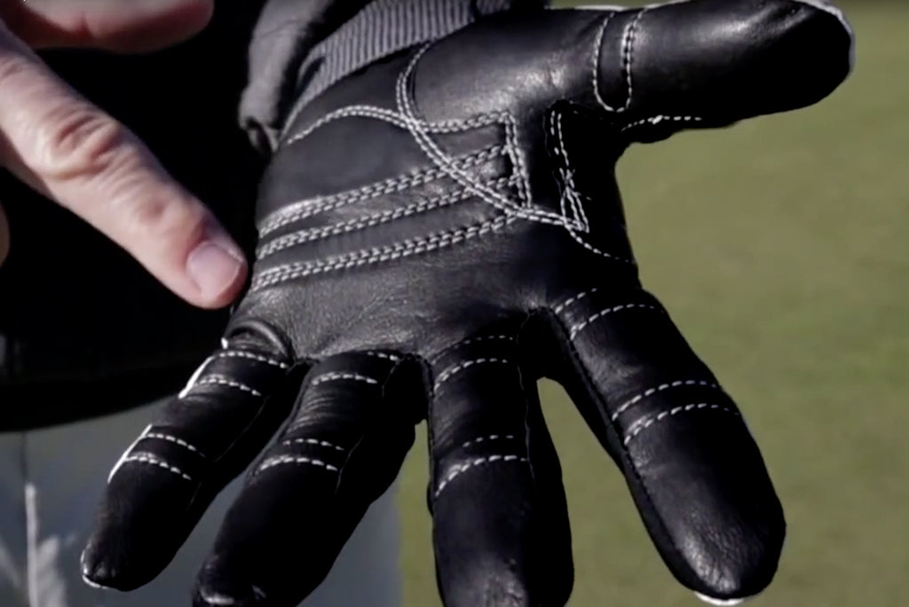 CHOOSING THE PERFECT GOLF GLOVES