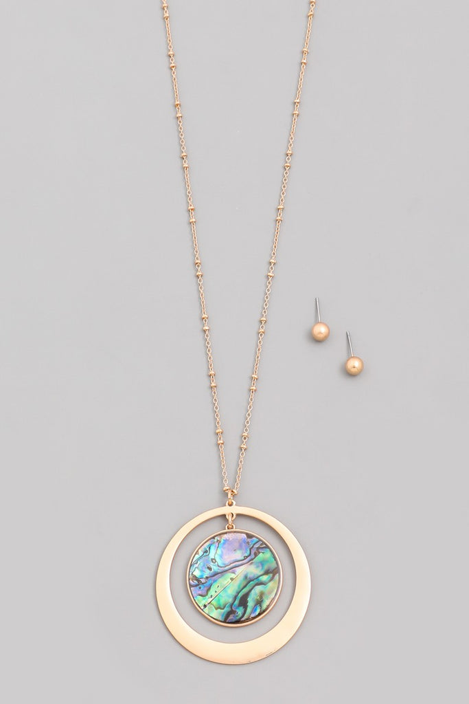 Pearly Dark Circle Pendant Necklace
