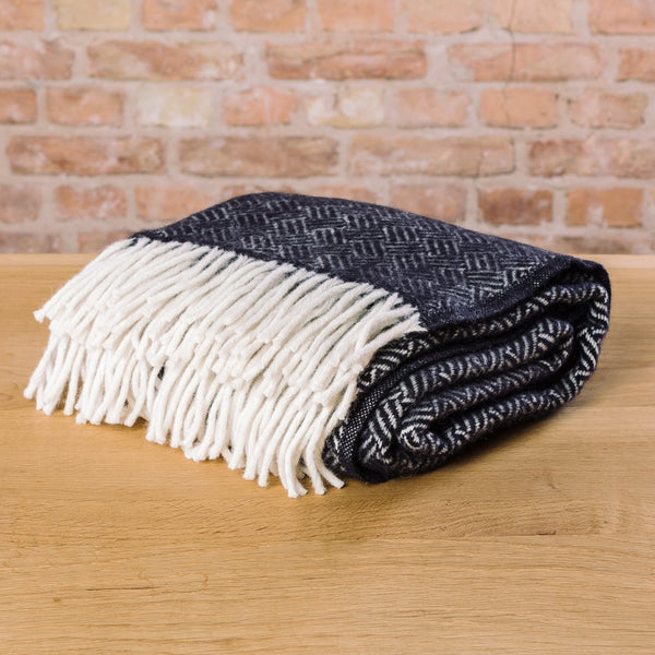 Klippan Samba Wool Blanket Black