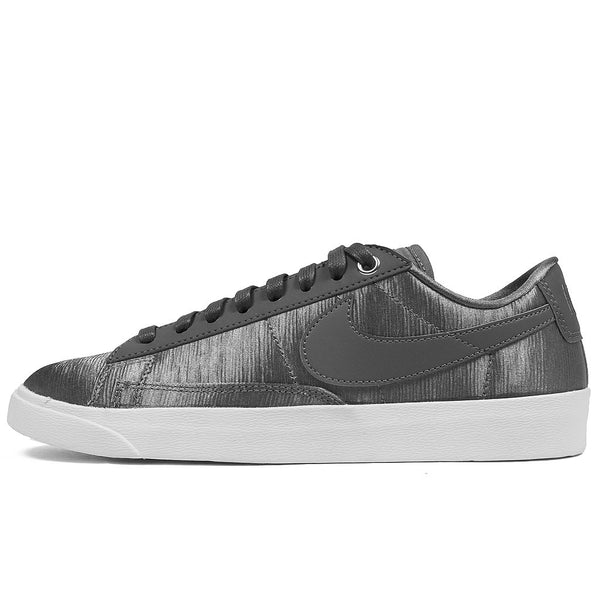 W Blazer Low SE - Gunsmoke/White