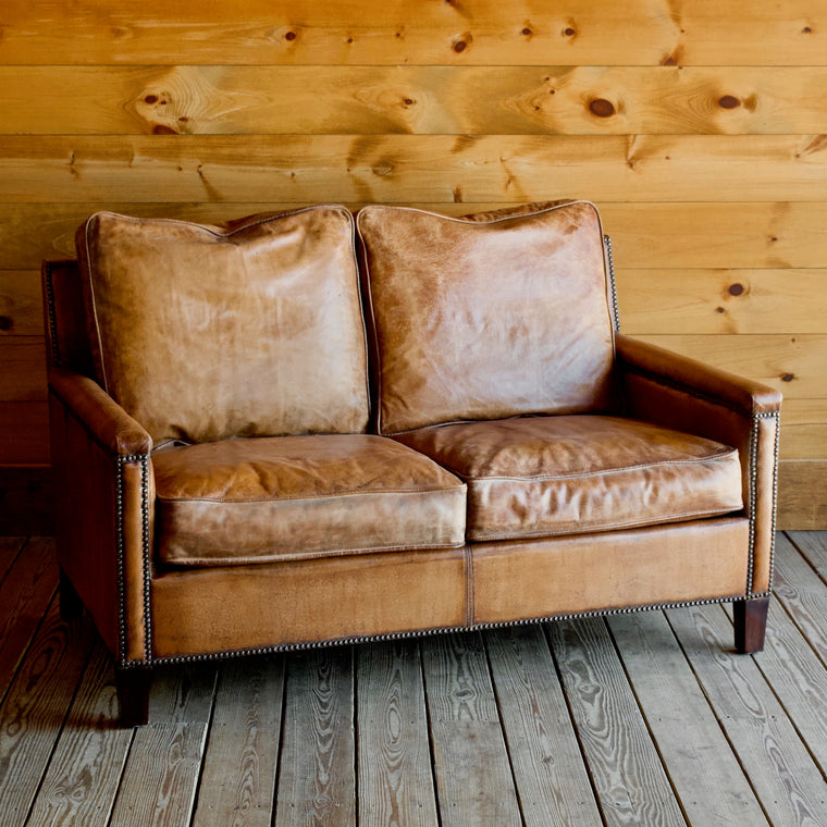 Murray Loveseat in Buffalo Leather