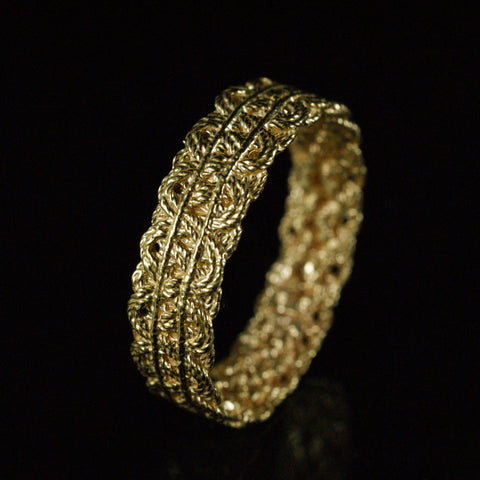 lace ring, 22ct yellow gold, price available on request