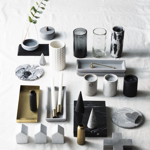 Zakkia: Host Concrete Candle - Luxe Gifts™  - 4