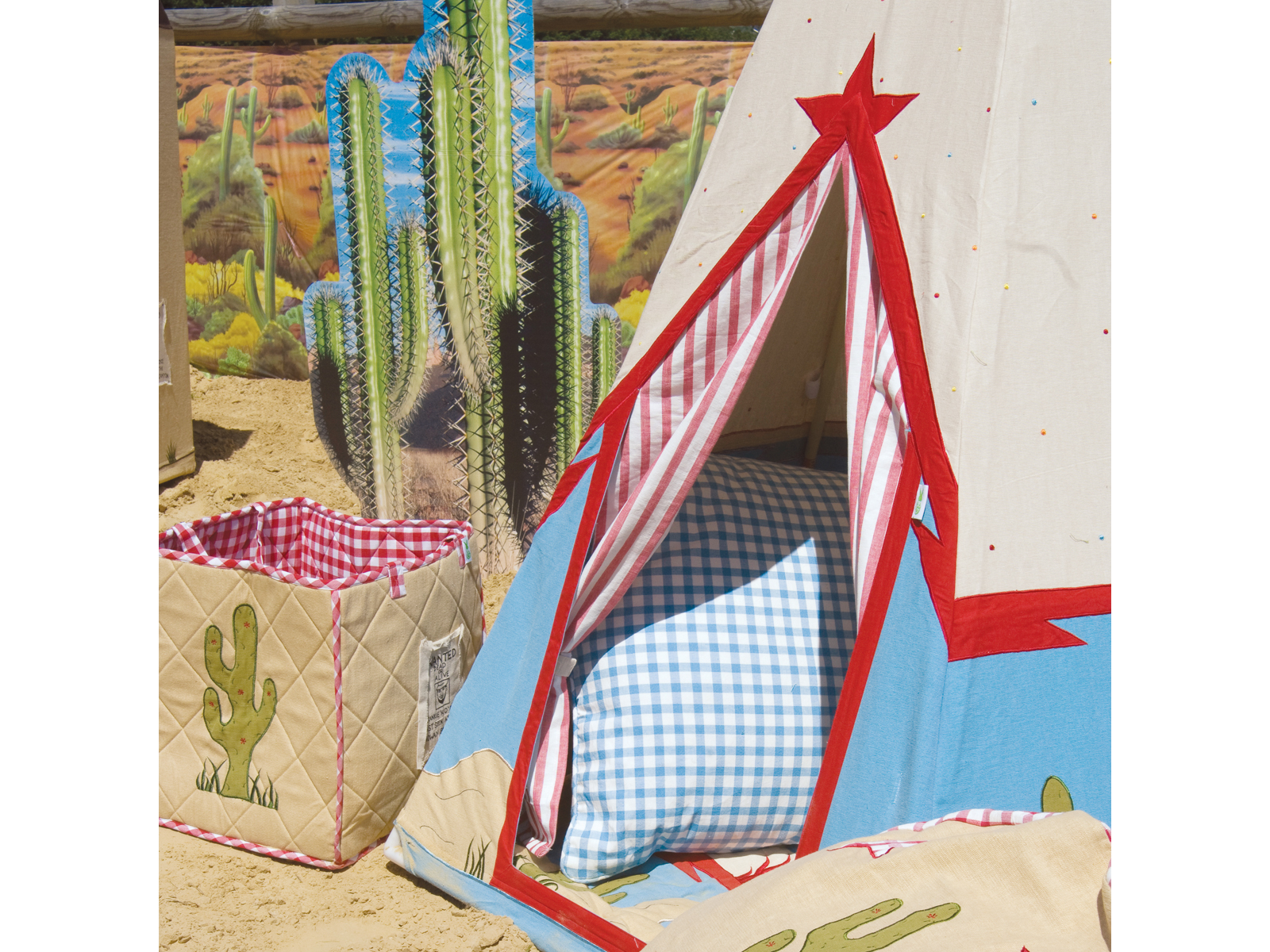 Win Green Handmade Cotton Cowboy Wigwam Playhouse - Playhouse of Dreams  - 7