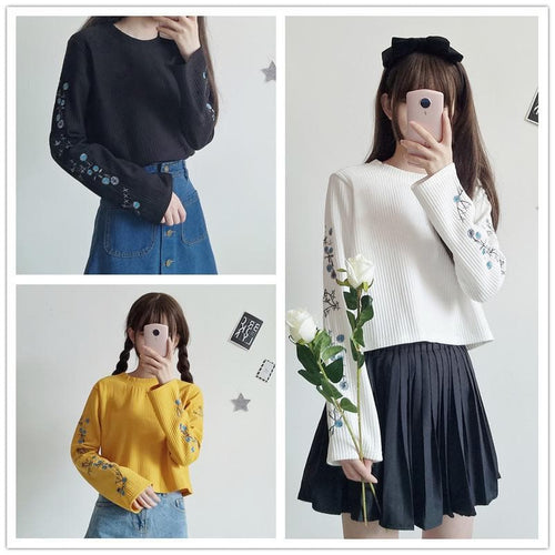 Final Stock! Yellow/Black/White Flowers Embroidery Pullover Shirt SP1710907