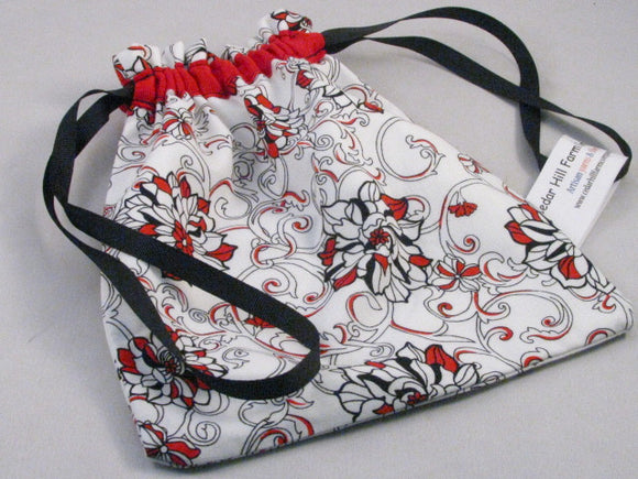 Red/Black/White Floral Hand Sewn Self-locking Project Bag (8