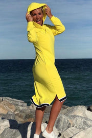 Too Late For Love | Yellow | Hoodie kjole fra Comfy Copenhagen