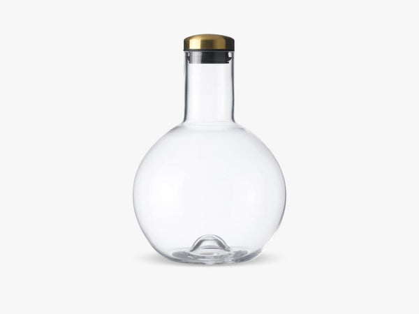 Bottle Carafe, 1,4 Ltr Round W. Brass Lid fra Menu