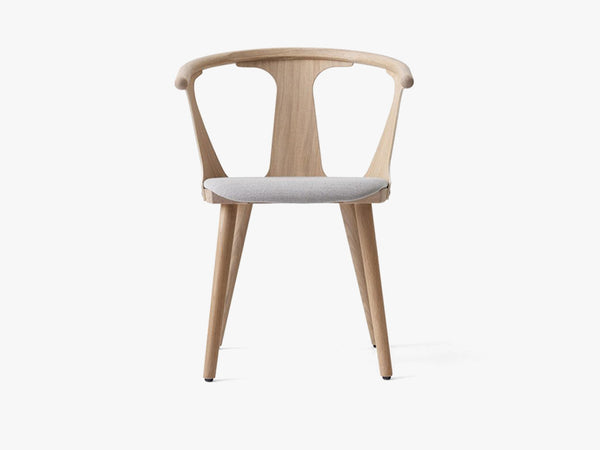 In Between Chair - SK2 - White oiled oak w. fiord fabric fra &tradition