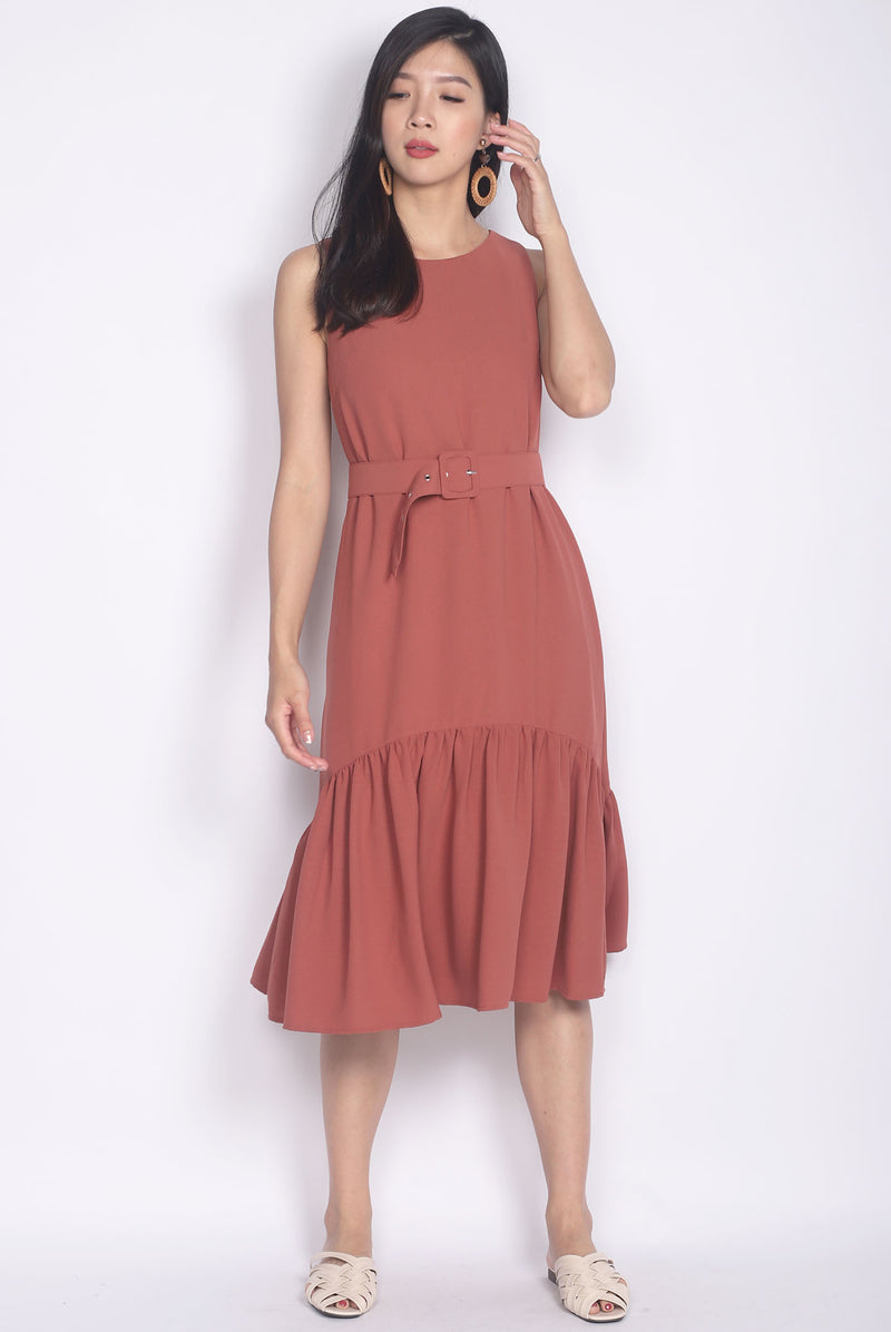 Aitana Belted Drop Waist Dress In Tea Rose