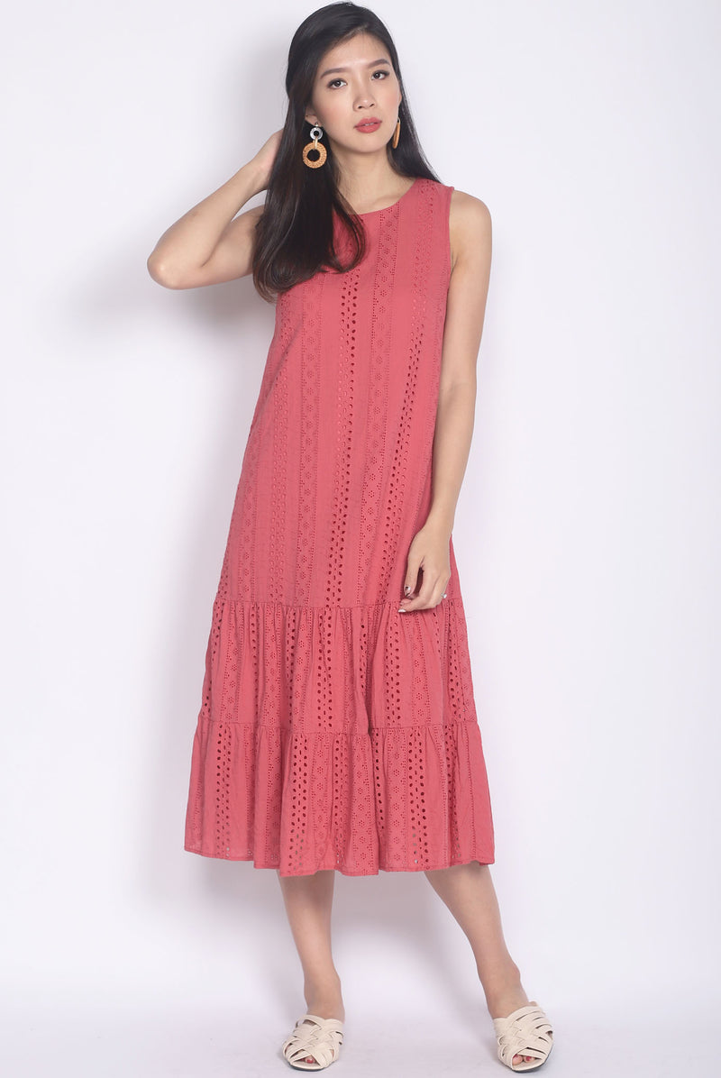 Bobbette Eyelet Midi Dress In Tea Rose