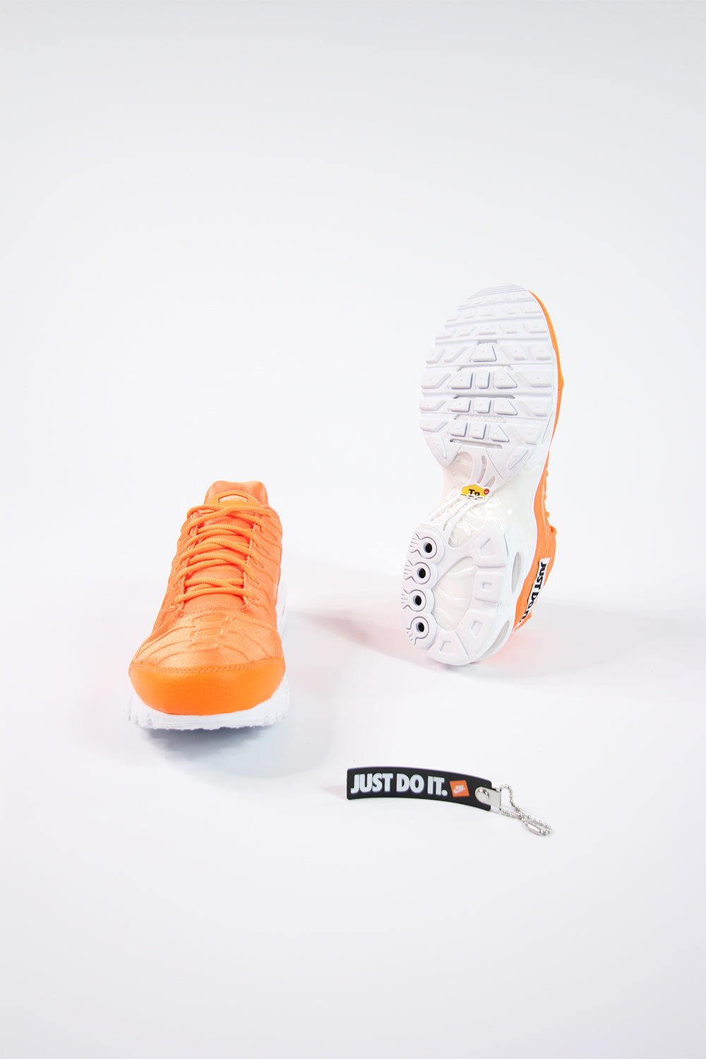 Nike - Air Max Plus SE (Total Orange/White Black) 862201-800