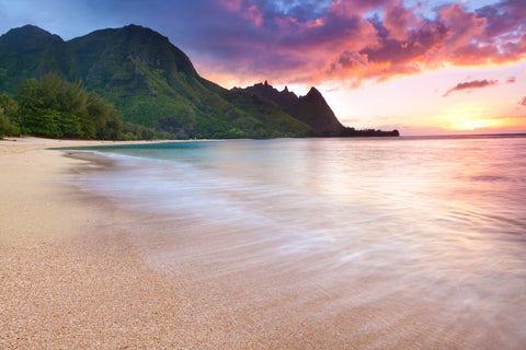Tunnels Beach - Kauai's North Shore (Popular)