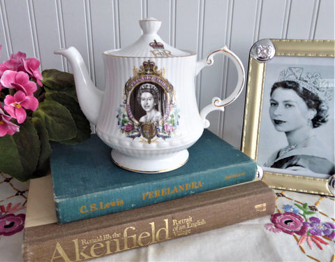 Teapot Queen Elizabeth II 1977 Silver Jubilee Queens Rosina English Bone China Royal Memorabilia