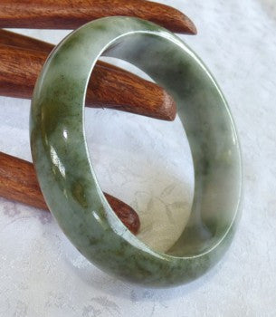 "Clouds over Earth"" Genuine Grade A Jadeite Jade Bangle 58.5mm + Certificate  (735)"