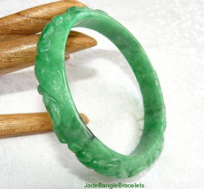 """Auspicious Pixiu and Fish"" and More Carved Jadeite Bangle 58mm (JBB2701)"
