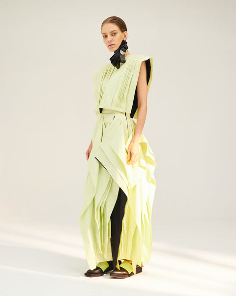 Repetition Asymmetric Pleats Long Skirt