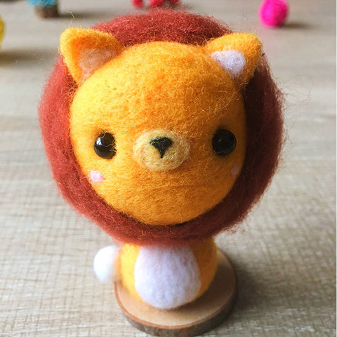 Handmade Needle felted cat felting kit project Animals lion leo cute for beginners starters
