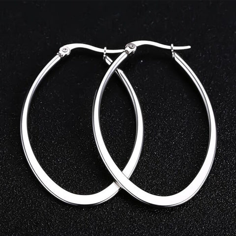 "Veronica ""Rebelious"" Oval Hoop Earrings"