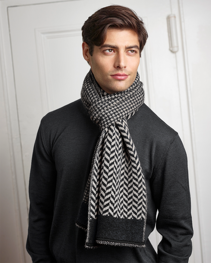Hudson Scarf in Black/Ivory