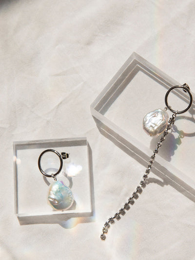 [MIDNIGHT MOMENT] flow pearl unbal earring