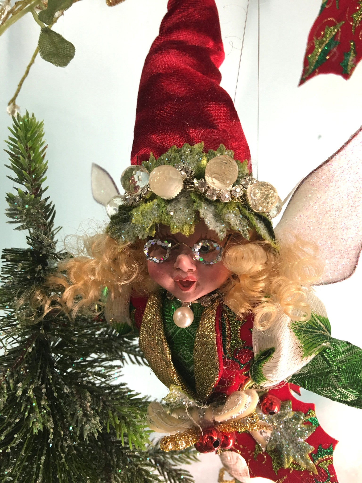 Mark Roberts Mistletoe & Holly Fairy Closeup