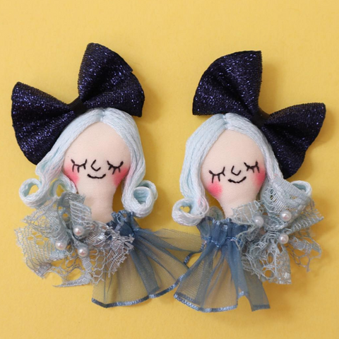 ES-E009 Face Earrings / Blue Glitter Ribbon