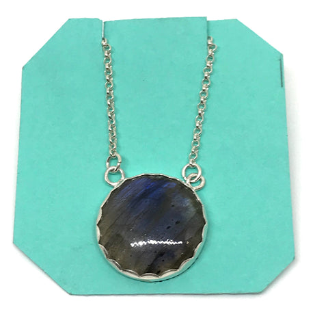STERLING SILVER NECKLACE WITH LARGE ROUND LABRADORITE