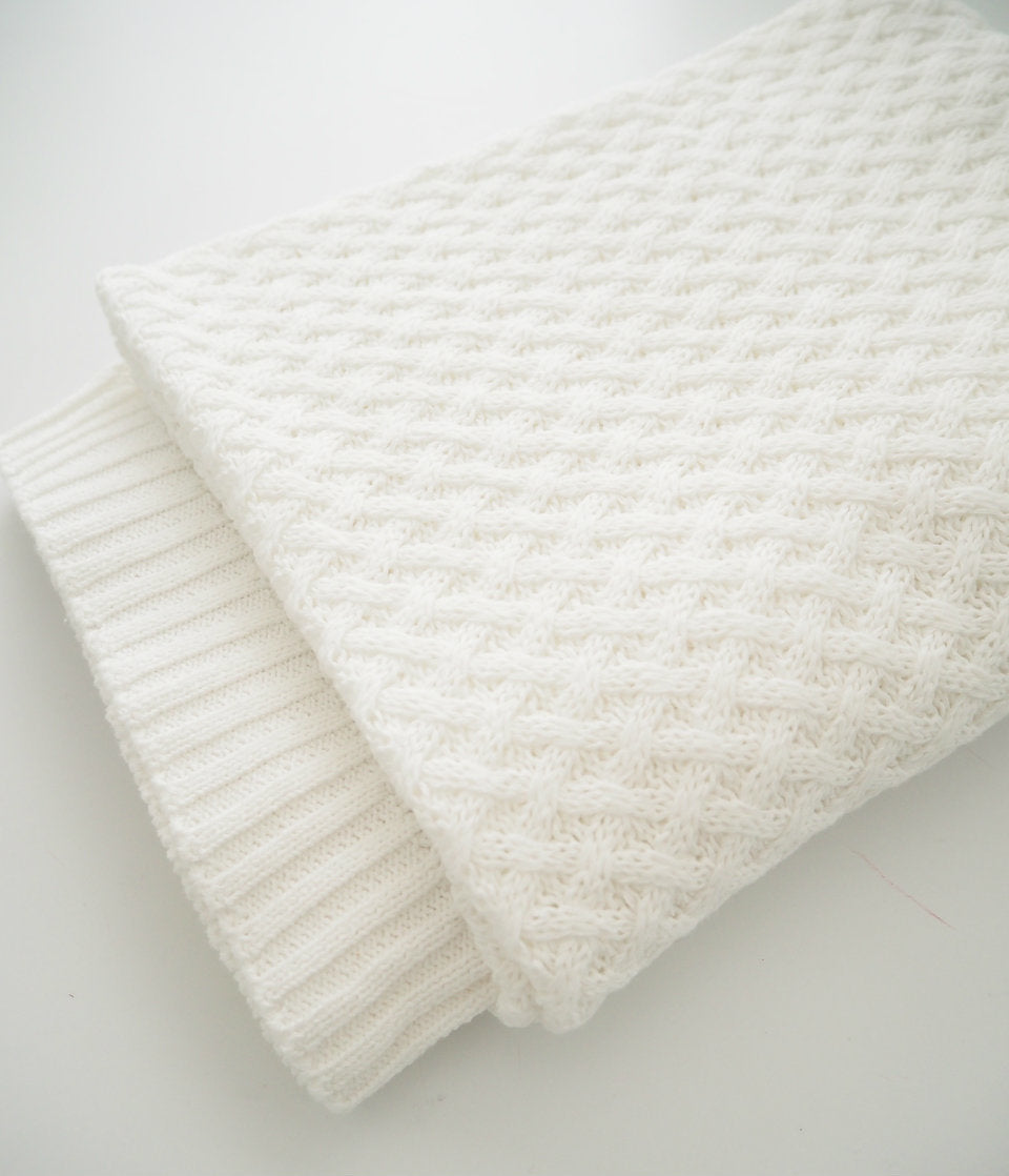 Snuggle Diamond Knit Blanket - White