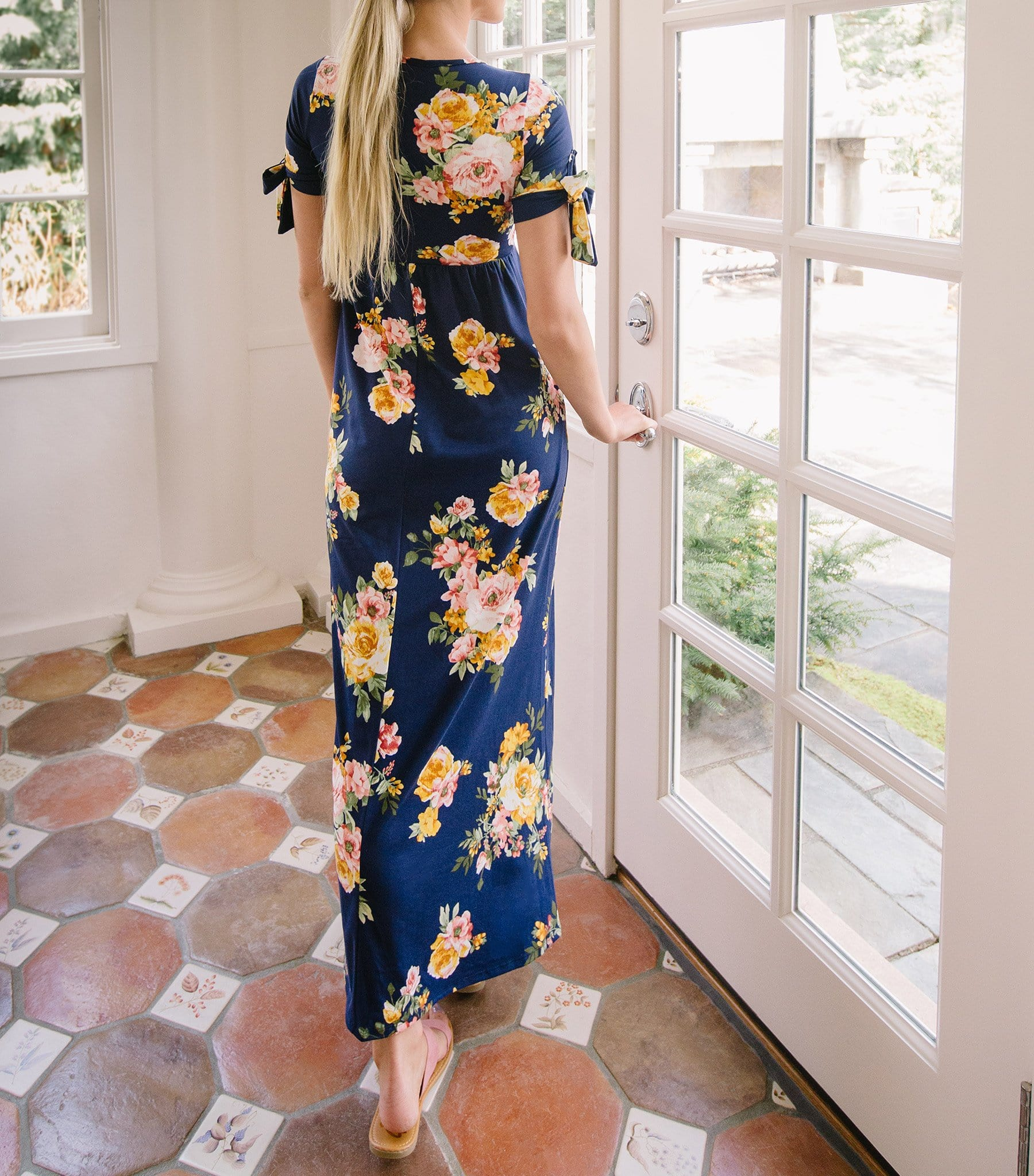 Tie Sleeve Babydoll Maxi Dress with Pockets