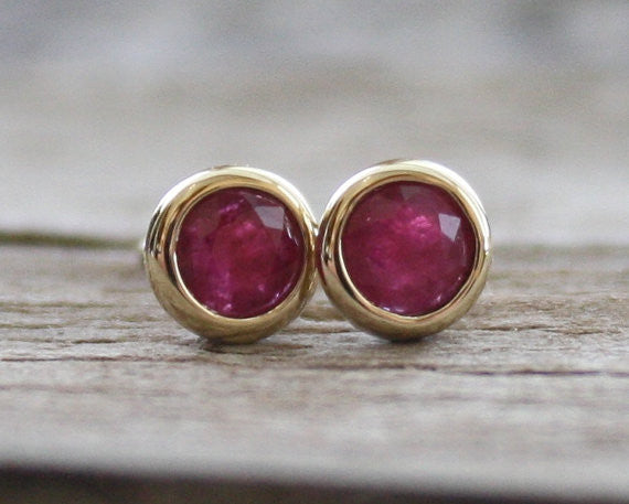 Ruby Round Bezel Stud Earrings in 14K Gold