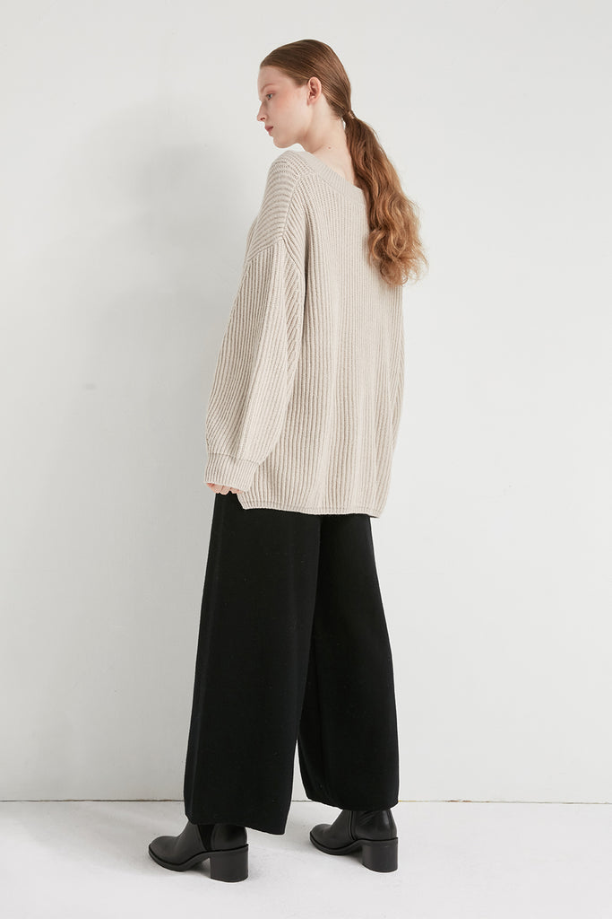 Chunky ribbed v-neck wool sweater - Zelle Studio