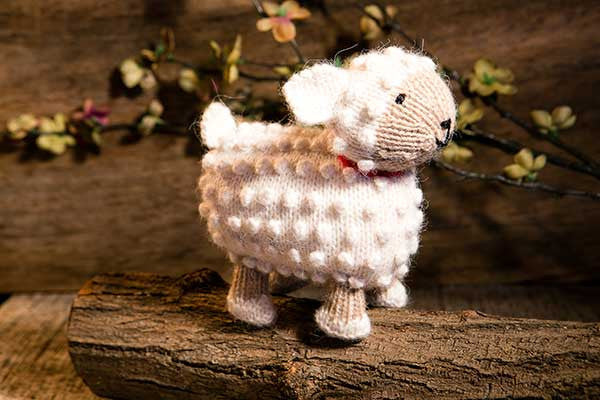 SLEEPY SHEEP - Stuffed Animal