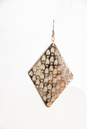 Gold dangling earrings - Desi Royale