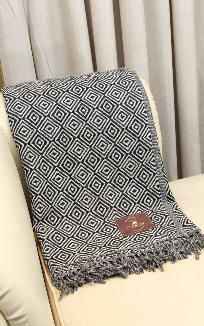 100% lambswool monochrome diamond pattern design boiled wool blanket sofa throw